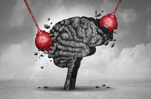 Palle demolitrici colpiscono un cervello