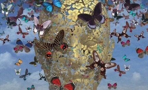 Testa con farfalle
