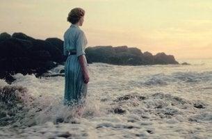 L'angoscia donna in mare