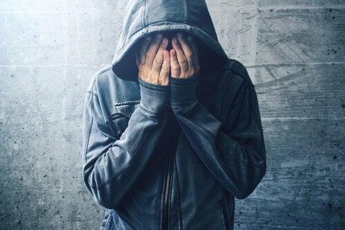 Droghe e disturbi mentali: che relazione esiste?
