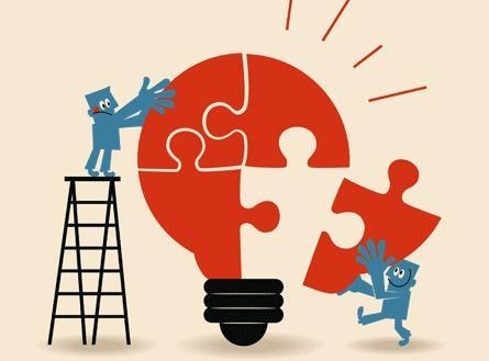 Lampadina a puzzle, simbolo dell'apprendimento significativo