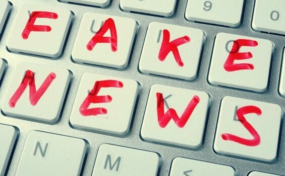 Tastiera fake news