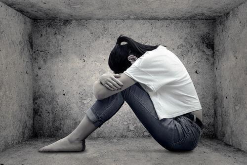 Donna triste autostima bassa