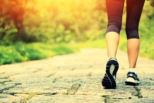 Camminare: benefici fisici e psicologici