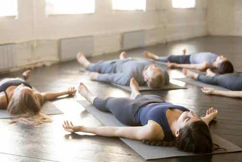 Posizioni yoga per dormire meglio