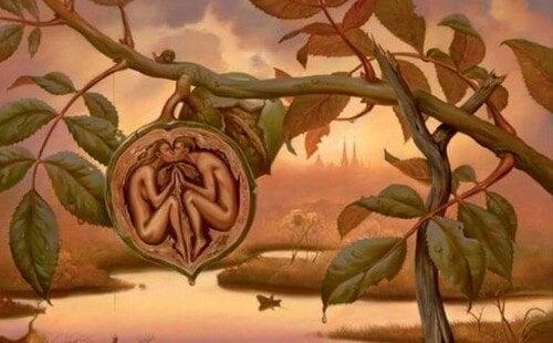 Coppia che si bacia dentro un frutto evoluzione dell'amore