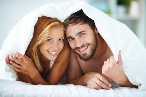 La buona comunicazione sessuale porta felicità