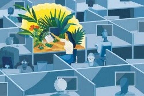 Donna coltiva giardino in ufficio mindfulness al lavoro