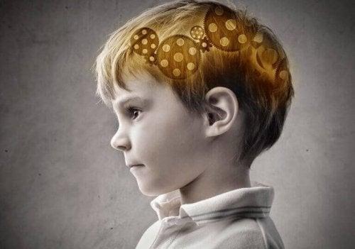 Ingranaggi nella testa di un bambino
