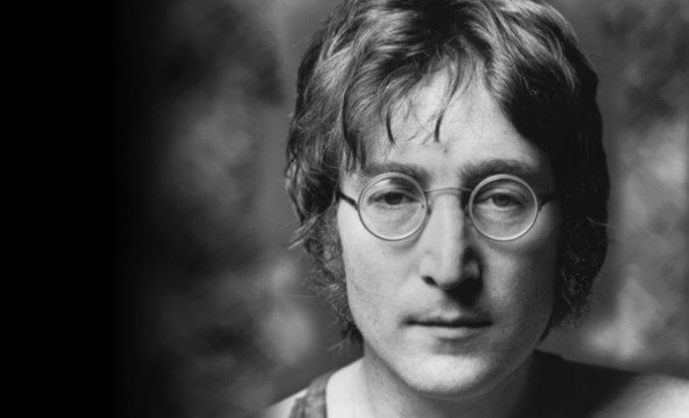 John Lennon giovane primo piano