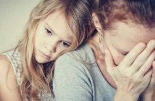 Figli di genitori con personalità paranoide