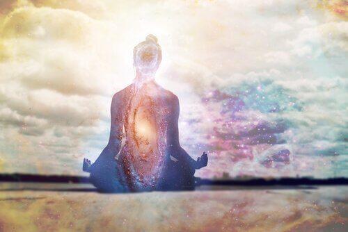 Calmare la mente ripetendo i mantra