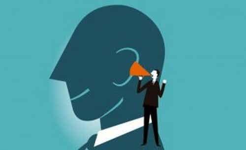 Pensare a voce alta migliora il ragionamento