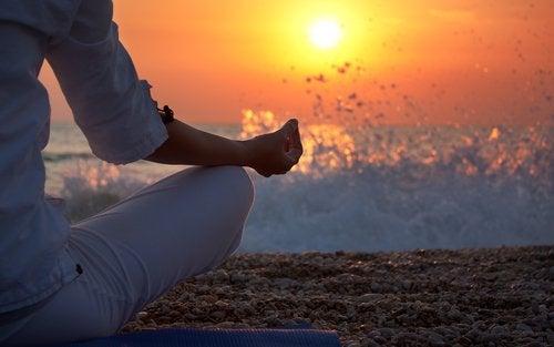 Aumentare la serotonina con la meditazione