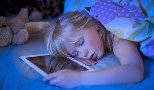 Insonnia tecnologica: i display ostacolano il sonno