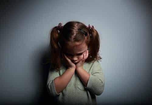 Genitori assenti e bambini insicuri