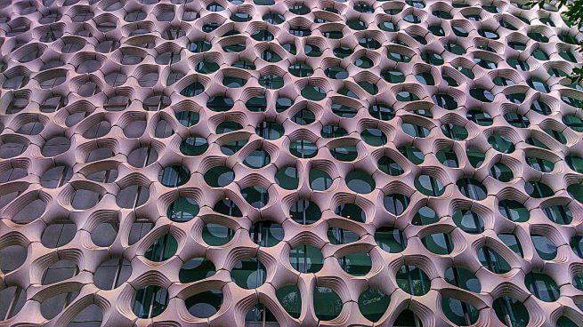 Edificio con fori