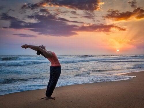 Saluto al sole: introduzione all'Hatha yoga