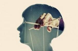 Persone manipolatrici