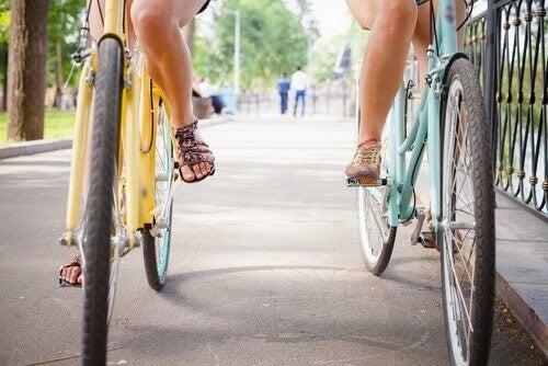 Ragazze in bicicletta