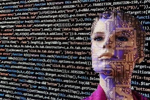 Robot con sembianze femminili