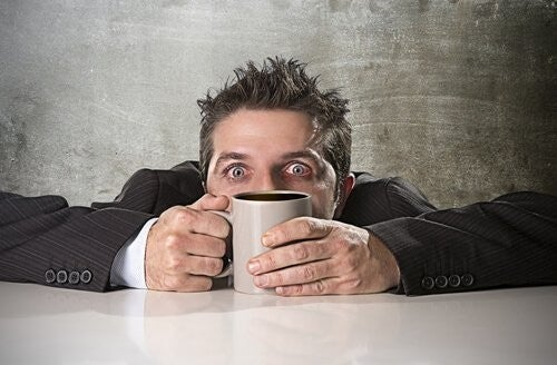 Intossicazione da caffeina: come avviene?