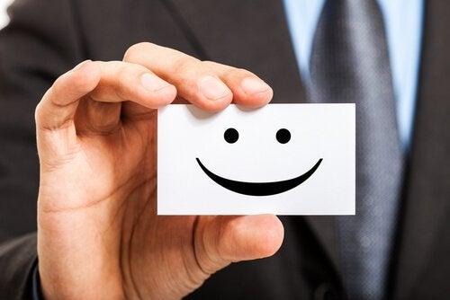 Felici sul lavoro: 5 strategie