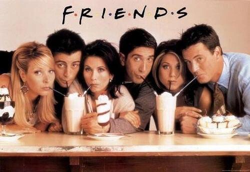 Personaggi serie televisiva friends che bevono frappè