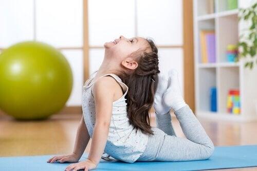 Yoga per i bambini: le posizioni più indicate