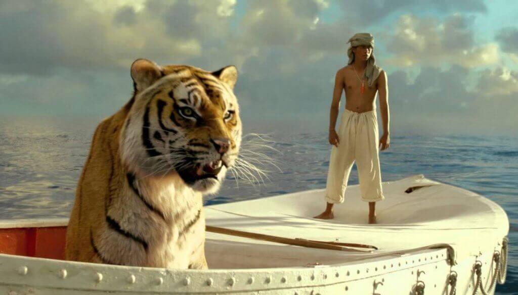 Tigre e Pi in oceano