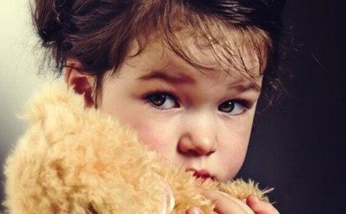 Bambina con occhioni