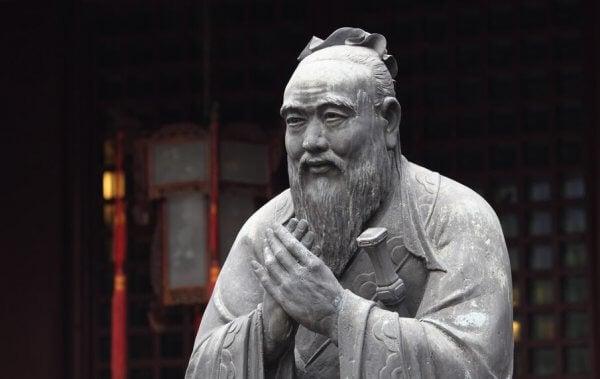 Confucio statua