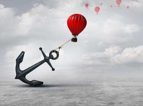 Effetto ancoraggio: come influenza le decisioni?