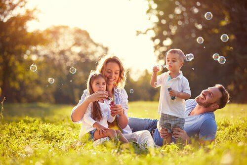 Rapporto con i figli: 17 abitudini per rafforzarlo