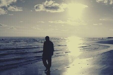 Uomo al mare