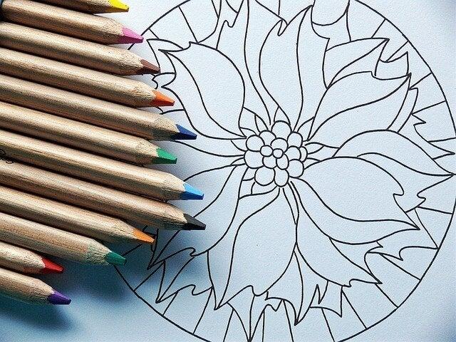 Mandala e colori a matita