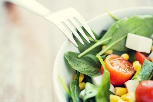 Mangiare un'insalata