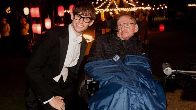 Stephen Hawking con Eddie Redmayne