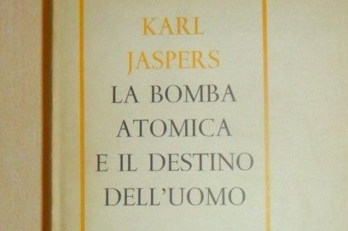 Copertina di libro di Karl Jaspers, padre del metodo biografico