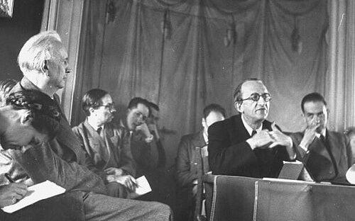 Karl Jaspers, padre del metodo biografico, in un incontro pubblico