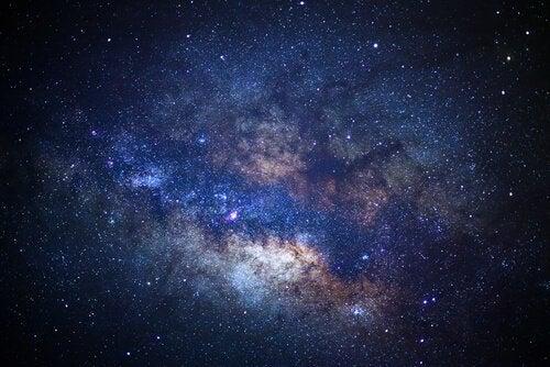 L'universo è infinito e può provocare apeirofobia