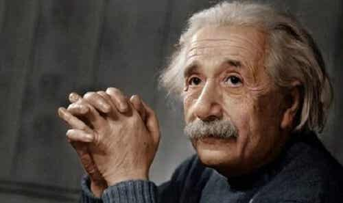 Biografia di Albert Einstein, genio rivoluzionario