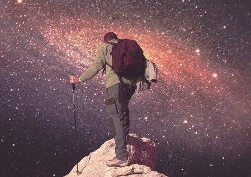 Uomo sulla cima