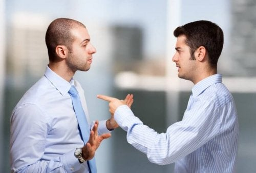 Discutere con un narcisista