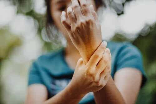 Sindrome della mano aliena