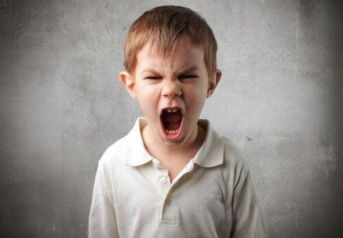 Bambino strilla psicopatia infantile