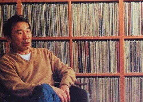 Murakami con dischi