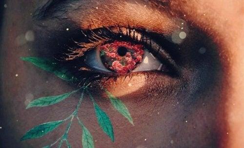 Occhio con fiori