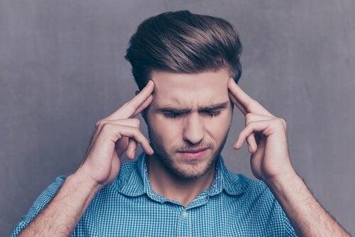 Ragazzo si spreme le meningi per controllare la rabbia