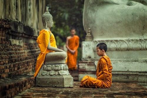 Bambino buddista